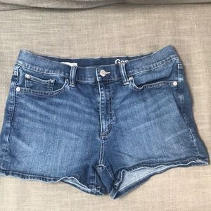 Mid-rise Gap denim shorts